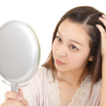 【美容師専門知識】ヘアカラーは薄毛の原因に!正しい知識で健康な髪を育もう